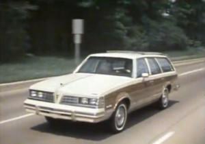 187 1981 Pontiac Safari Wagon Promo
