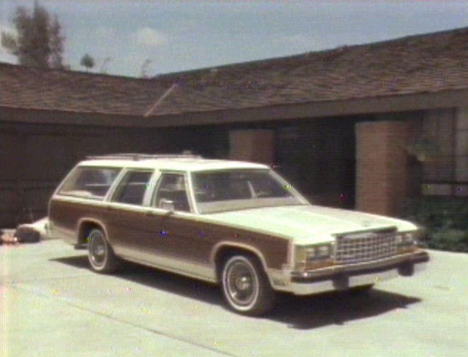 » 1983 Ford LTD Crown Victoria Promo