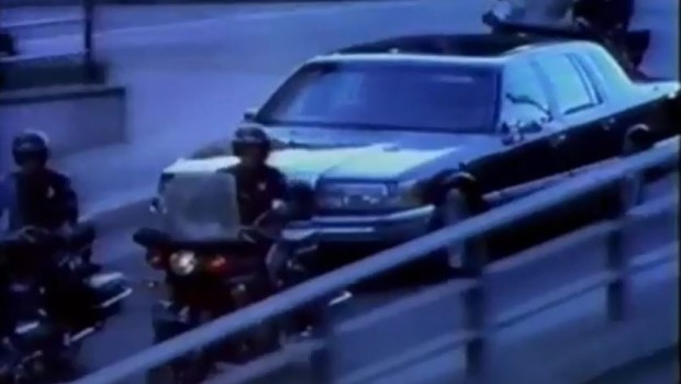 1990 Lincoln Town Car Commercial