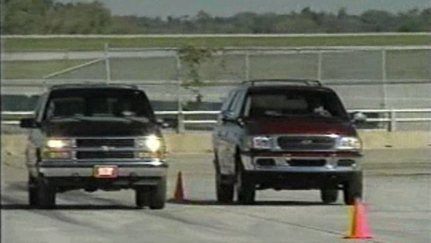 » 1997 Chevrolet Tahoe vs Ford Expedition Comparison Test