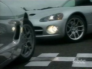 2003-chevrolet-corvette-vs-viper1